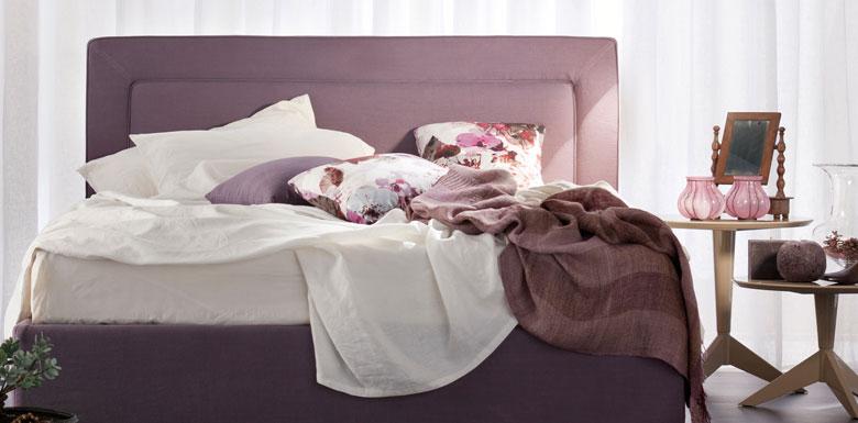 Cassandra Bett von BertO