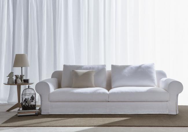 klassische sofa mit tiefe sitzfl che berto shop. Black Bedroom Furniture Sets. Home Design Ideas