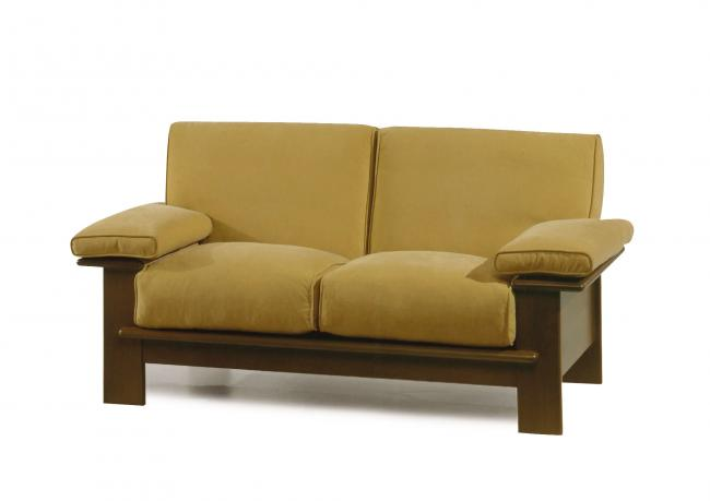 Outlet sofa mit holzrahmen berto shop for Ledersofas outlet