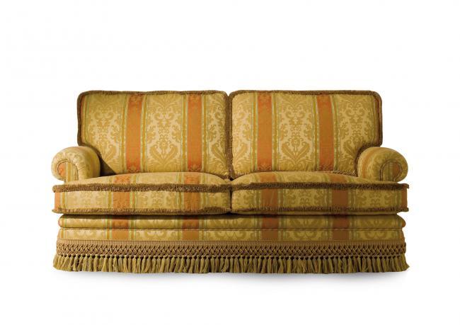 outlet klassische sofa mit fransen berto shop. Black Bedroom Furniture Sets. Home Design Ideas